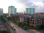 Linh Đàm là khu đô thị mới đầu tiên được quy hoạch và xây dựng ở miền Bắc sau Đổi Mới. Nguồn ảnh: sanvuonnoithat.com