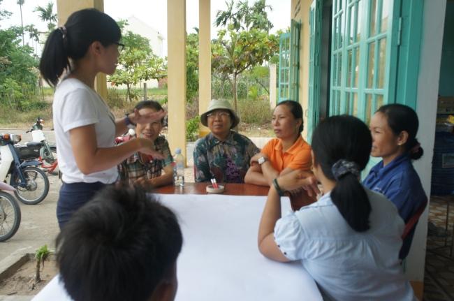 Hình 4: Thảo luận tại nhóm phụ nữ và trẻ em