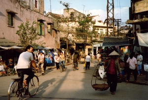 Tổ chức không gian đô thị  truyền thống tại Việt Nam cho phép nhiều giao tiếp xã hội diễn ra?