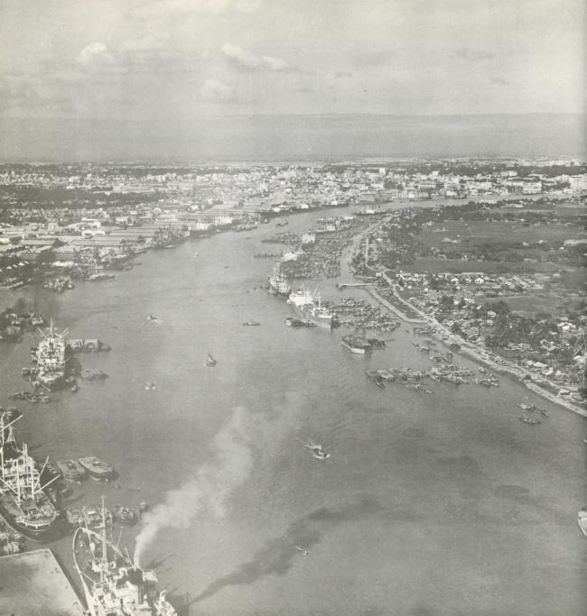 Sông Sài Gòn đoạn chảy qua trung tâm Tp. HCM và bán đảo Thủ Thiêm đầu thập niên 70. Nguồn: Wurster, Bernadi and Emmons Architects and Planners (1972)